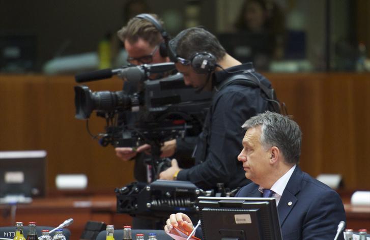 Orbán Viktor miniszterelnökről az Európai Unió brüsszeli csúcstalálkozója előtt 2015. december 17-én.