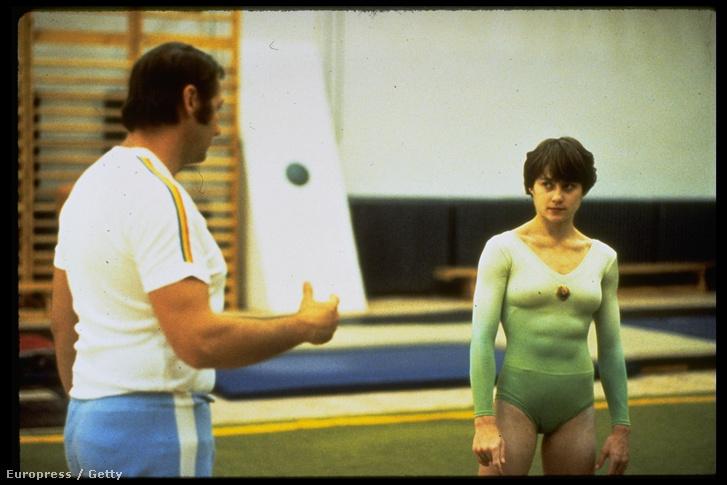Comaneci és Károlyi Béla edzenek (1980 körül)