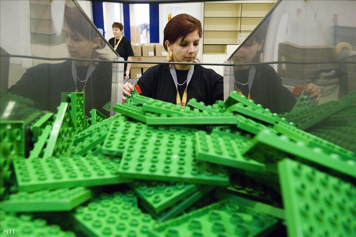 Több Lego, több ember