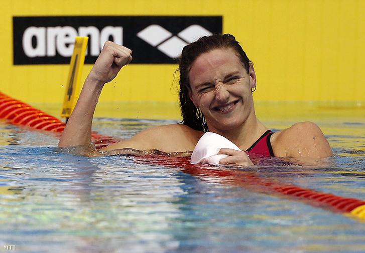 Hosszú Katinka a netánjai rövidpályás Európa-bajnokság 100 méteres vegyes úszás döntője után, 2015. december 4-én.