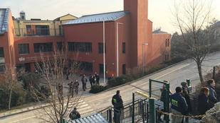 Ismét kiürítették az óbudai brit iskolát