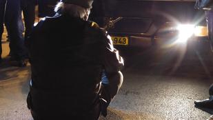 Nézze meg a hétfői taxisblokád legfontosabb képeit!