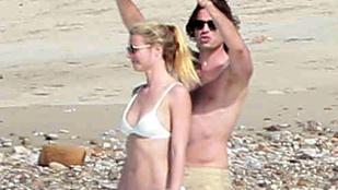 Gwyneth Paltrow bikiniben teszi a szépet barátjának