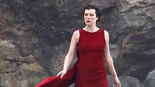 Milla Jovovich nemrég szült, de már újra modellkedik
