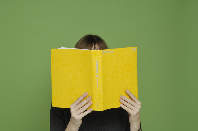 könyveket olvasni és látni