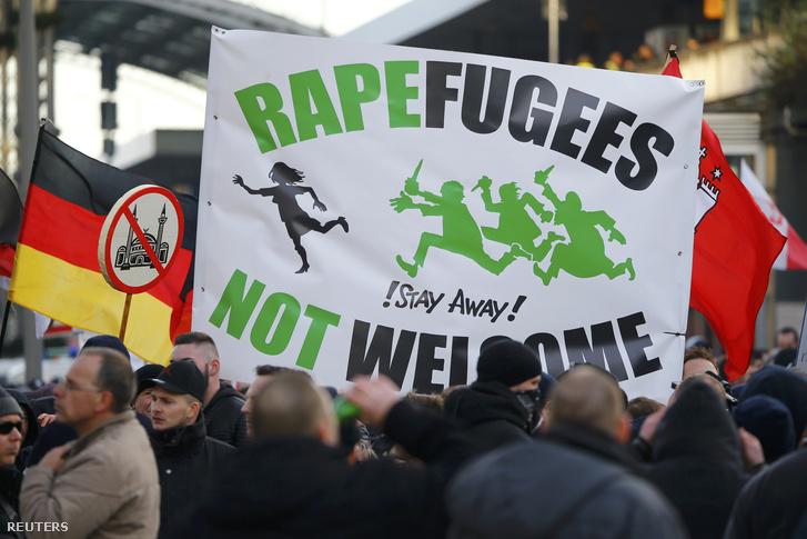 Szélsőjobboldali tüntetés a menekültek ellen Kölnben, 2016. január 9-én.