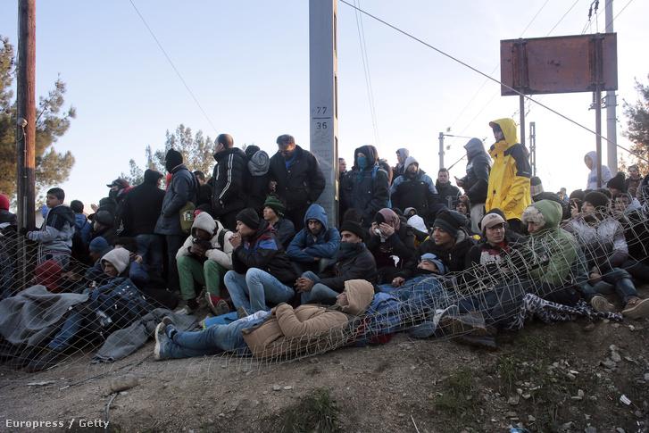 Menekültek Idomeninél, a görög határon