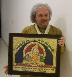 Roby Lakatos a díjjal
