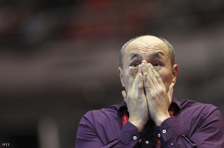 Talant Dujshebaev szövetségi kapitány a férfi kézilabda Európa-bajnokság D csoportjában játszott Oroszország - Magyarország mérkőzés végén Gdanskban az Ergo Arénában 2016. január 18-án.