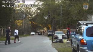Túl hangos kosarazókra hívtak rendőrt, ő viszont beállt játszani