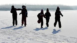 A Holt-Tiszán már lehet korcsolyázni! A Balatonon még nem