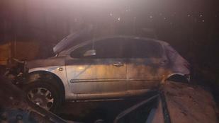 Családi háznak ütközött egy autó a XXII. kerületben