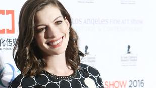 Anne Hathaway jobban néz ki, mint valaha