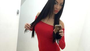 Voksán Virág hosszú combokkal várja a Valentin napot