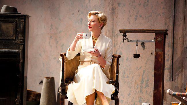 Cate Blanchett a Ványa bácsi c. előadásban