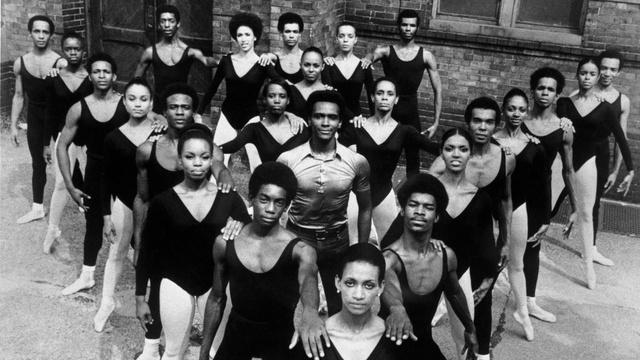 Dance theater of Harlem, középen Arthur Michell társulatalapítóval