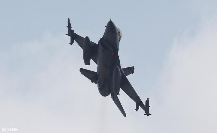 Egy gyakorlatozó török F-16-os