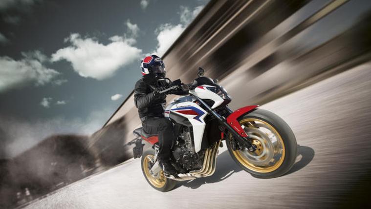 Honda CB650F - mint a legtöbb új motor, rendelhető 48 lóerős teljesítménnyel. Száz lóerő alatt szinte minden új motornál opció
