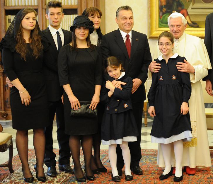 Orbán Viktor és családja a Vatikánban, 2010-ben