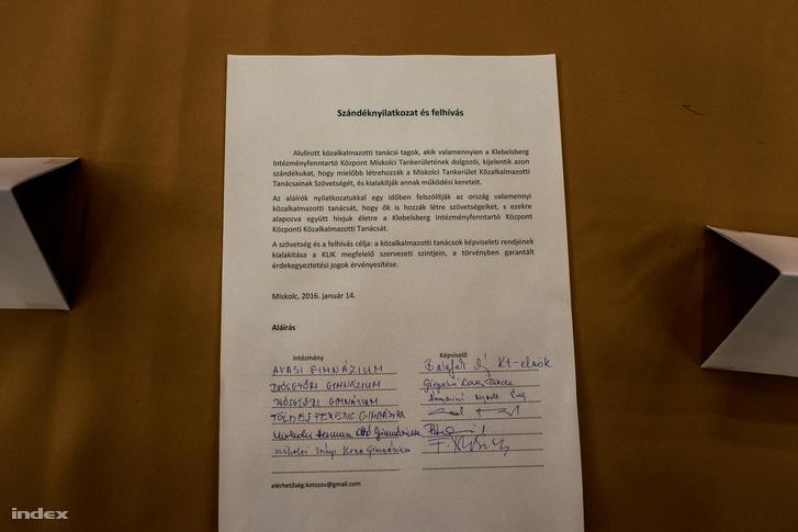 A Herman Ottó Gimnázium szándéknyilatkozata és kérvénye, a tiltakozó tanárok aláírásával