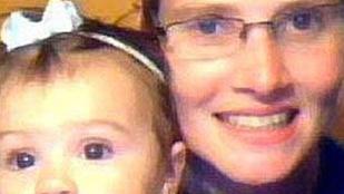 Horror: kéthónapos kislánya torkát is elvágta az anya