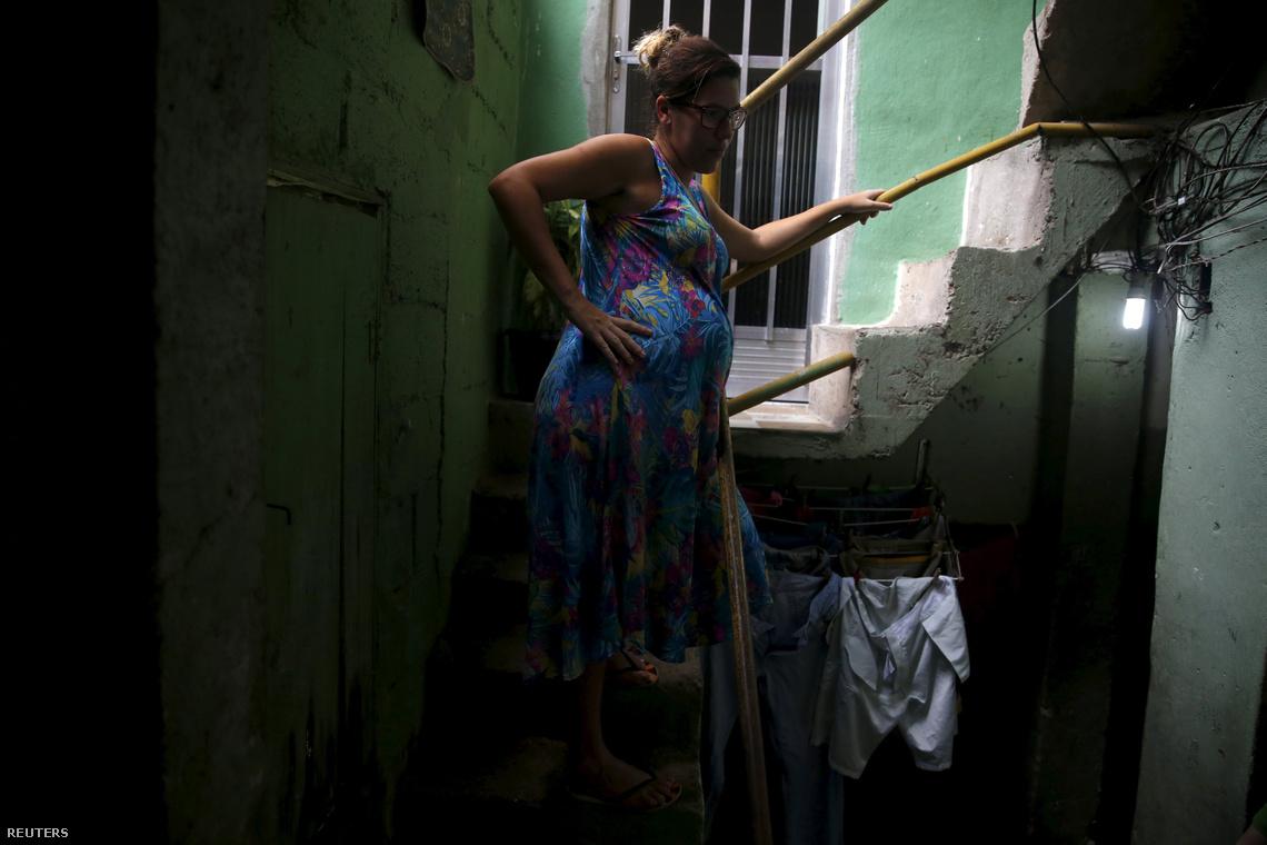 Kaitie Resende a terhessége hetedik hónapjában tart, Rió egyik járvány-sújtotta városrészében él.