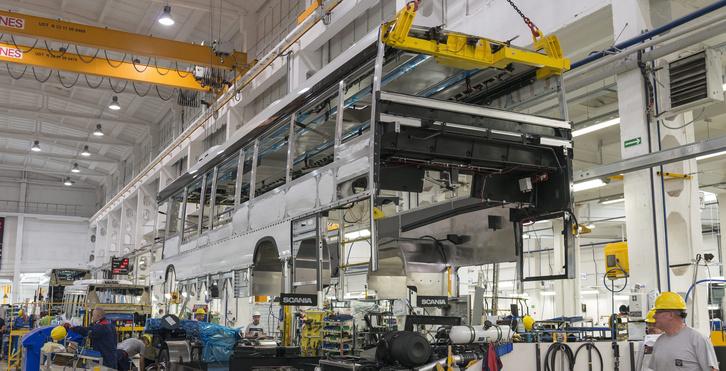 A Scania patikatisztaságú slupski gyára. Így kell kinéznie egy korszerű buszgyárnak!