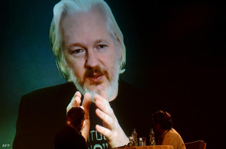 Julian Assange - sokat öregedett a bent töltött évek alatt