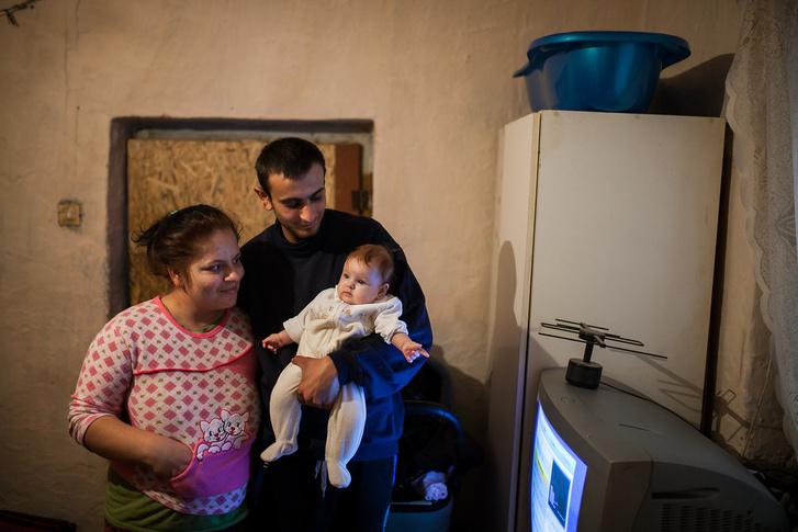 Ricsi családjával