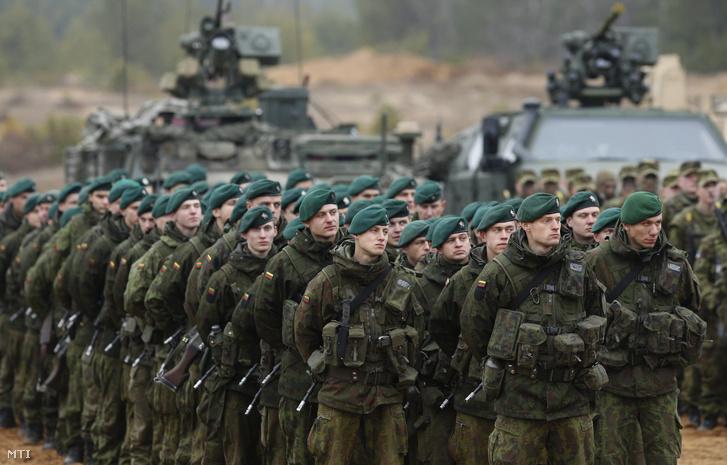 A NATO Vaskard elnevezésű hadgyakorlata Litvániában, 2014. novemberében.