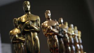 Egy rakás bizarr dolgot kapnak az Oscar-díjátadóra meghívott emberek