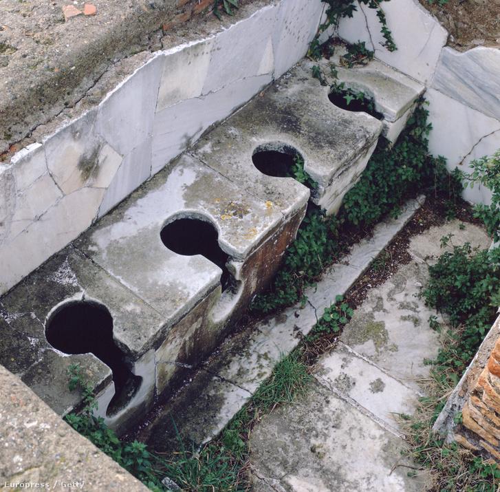 Római közvécé Ostiában