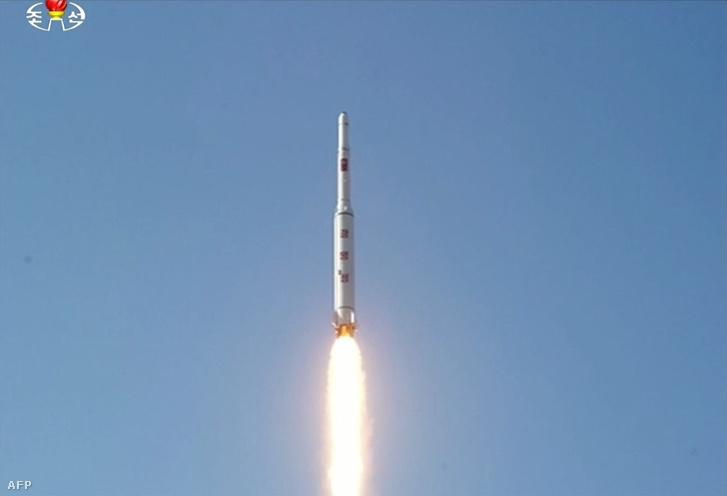 A műholdat szállító Észak-koreai rakéta