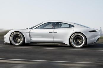 Megduplázza villanyautó-gyártását a Porsche