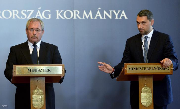 Fazekas Sándor földművelésügyi miniszterés Lázár János a Miniszterelnökséget vezető miniszter