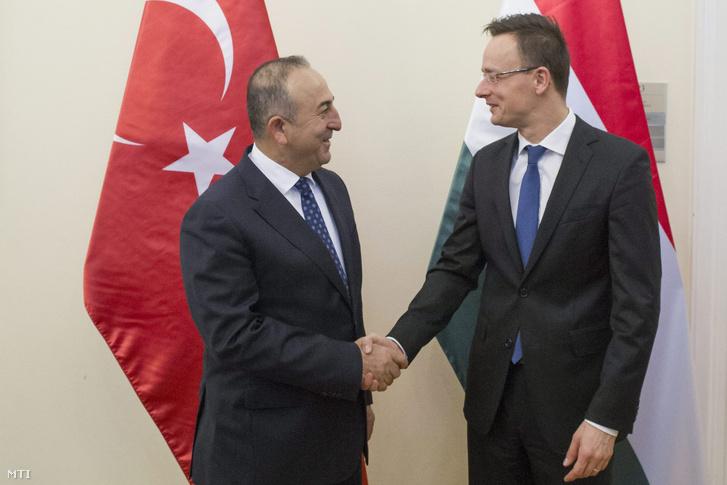 Szijjártó Péter és a török külügyminiszter (2016. február)