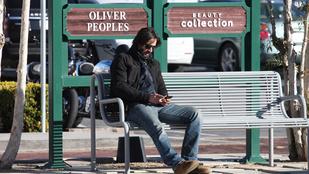 Ó, a fene egye meg, Keanu Reeves megint elszomorodott!