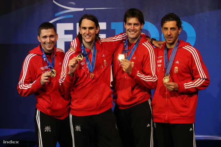 A 2013-as világbajnok párbajtőrcsapat.