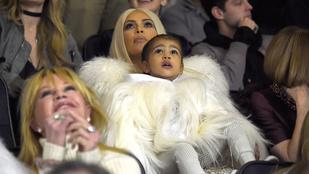 Kim Kardashian kislánya már most érzi a celebritmust