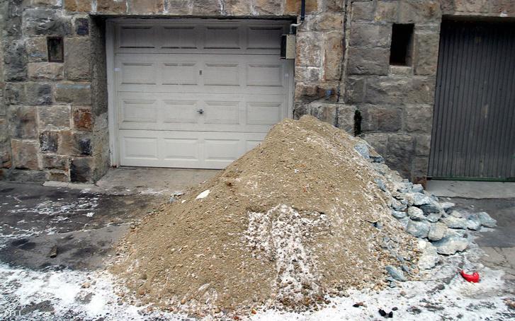A garázs, ahol megtalálták Szlávyt