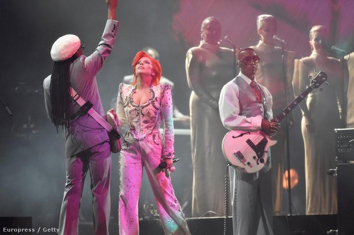 Lady Gaga Bowie-előadása