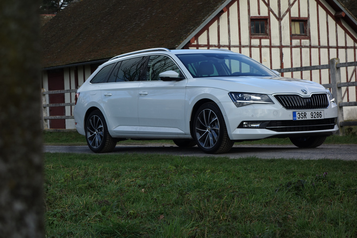 Baromi elegáns, azabb, mint egy Audi