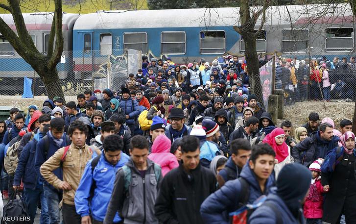 Menekültek az osztrák-szlovén határon 2016. február 16-án
