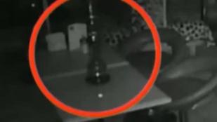 Vízipipákkal babráló szellemeket észleltek Moszkvában