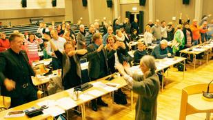Esőtáncot járó svéd politikusokat ért nagy csalódás