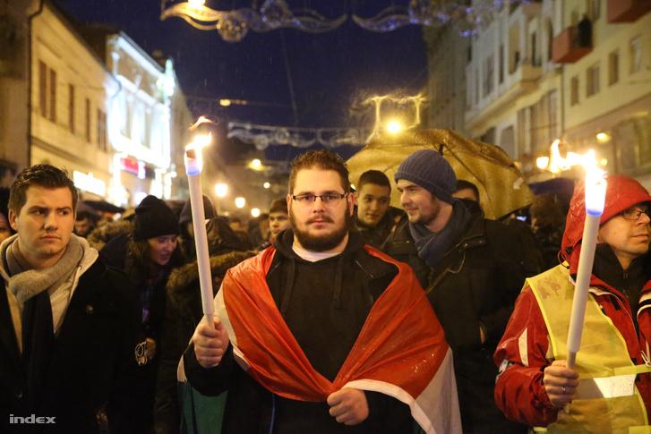 Miskolc, 2016. február. Ötezer pedagógus és diák vonult az utcára.