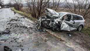 Halálos baleset történt Dunaalmásnál