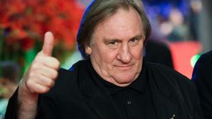 Ilyen az, ha Gerard Depardieu vetkőztet valakit