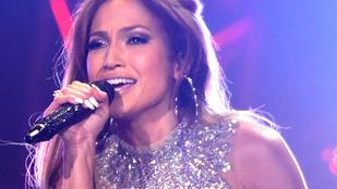 Ennek a férfinak is feltűnt, hogy Jennifer Lopez egészen elképesztően néz ki