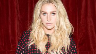 Kesha dallal köszöni meg a támogatást